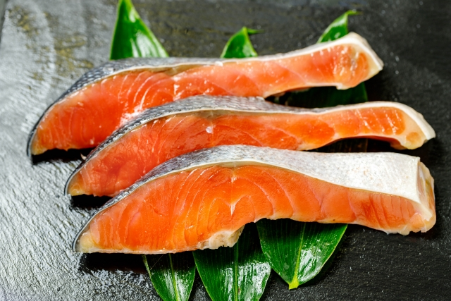 鮭の栄養アスタキサンチンの効果!鮭が川を上る驚きの力の秘密を解説!