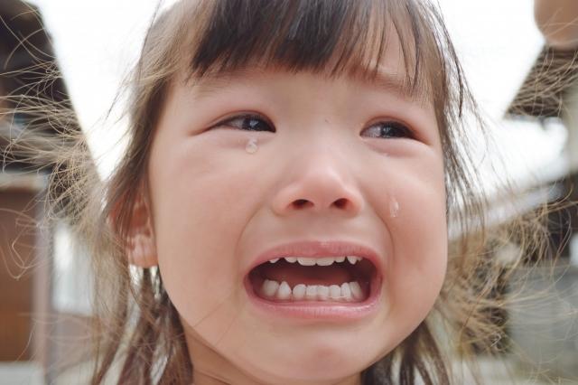 泣くと涙が出るのはなぜ?涙の不思議な効果について!
