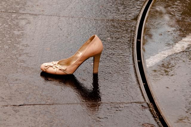雨の日でも靴の中が濡れない方法!3つのポイントで快適に!