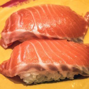 寿司屋のネタにサーモンが無い理由!理由はやっぱりアイツのせいだった